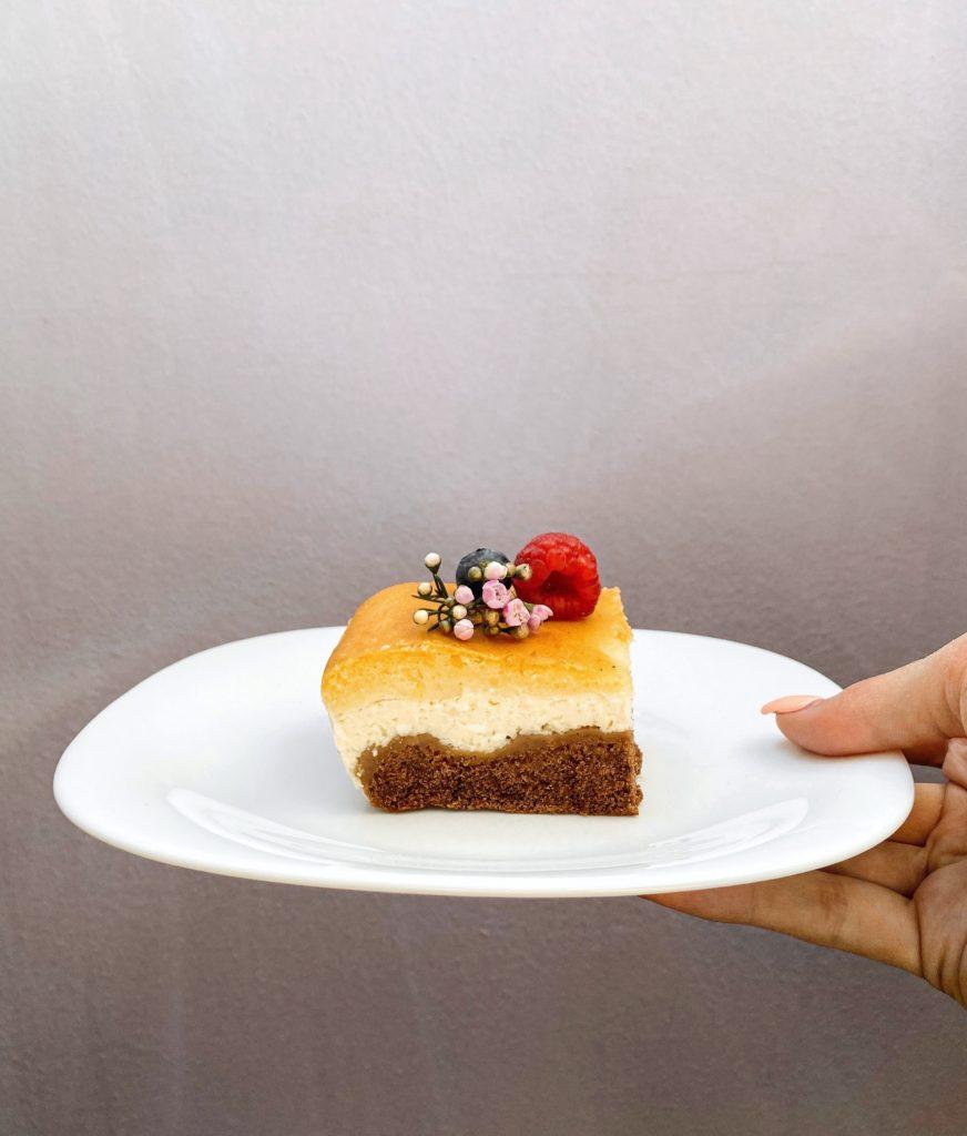 kakaový koláč s tvarohovým krémem - recept
