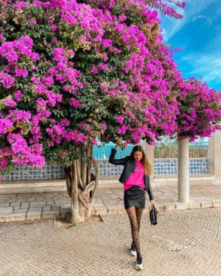 Listopad v Lisabonu 🌸🌸😍 Tenhle podzimní výlet byl nejlepší nápad. Pokud potřebujete dobít baterky, tak Portugalsko (i v této době) jen doporučuju. 🇵🇹 . . . #lisabon#portugalsko#portugal#visitinglisbon#lisbon#lisboa#cestolidi#cestujemeczsk#minveciviczazitku#czechgirl#czgirl#praguegirl#pinkflowers#pinksweater#dnesnosim#dnescestujem#cestovani#cestolidi#cestujemeczsk#tipnavylet#portugalsko#vyhled#vyhlidka#happygirl#longlegs#longlegsgirl#tallwomen#brunettegirl#fashiongirl